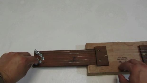 hacer una guitarra casera paso a paso