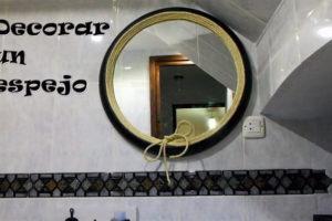 decorar un espejo paso a paso.