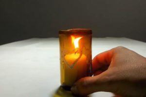 hacer un portavelas con botellas de vidrio