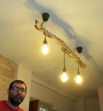 Hacer una lámpara de madera rústica.