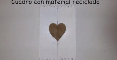 Cuadros con materiales reciclados.