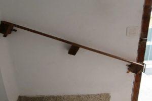 como hacer una barandilla de escalera con palets
