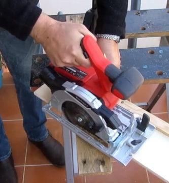 cortar ángulos con una sierra circular.